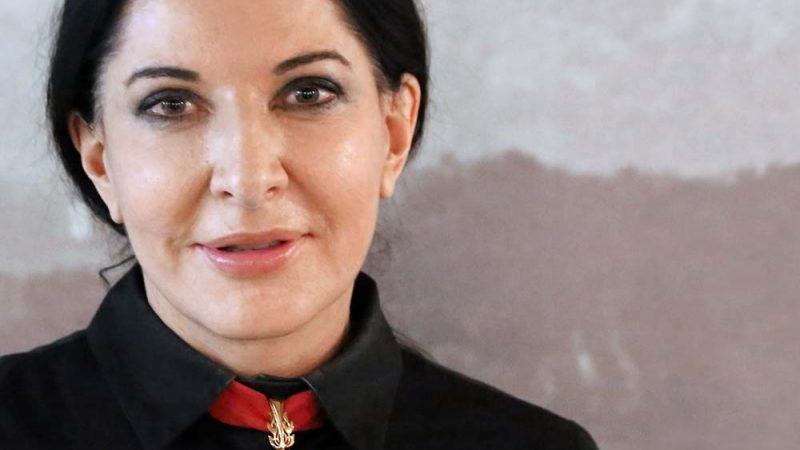 Pensare il proprio funerale. Marina Abramović e il suo testamento